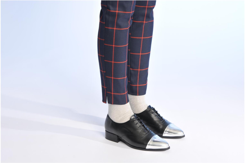 Chaussures à lacets Made by SARENZA Bataclan #15 Noir vue bas / vue portée sac