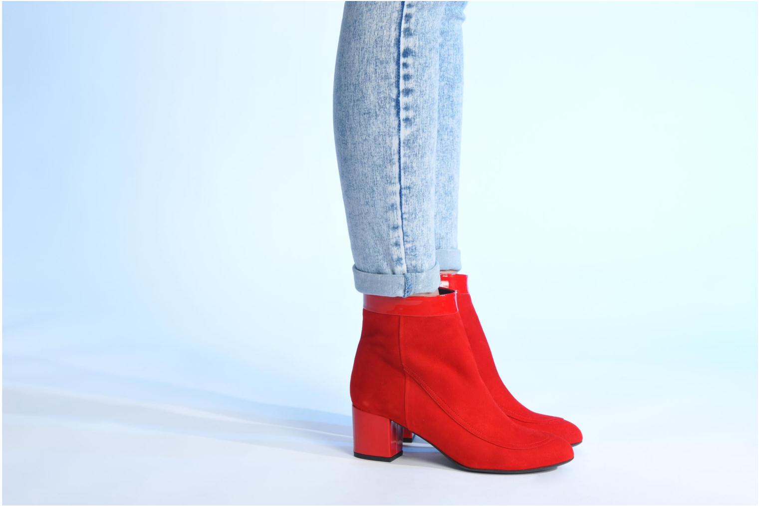 Ankle boots Made by SARENZA Queens Cross #17 Red view from underneath / model view