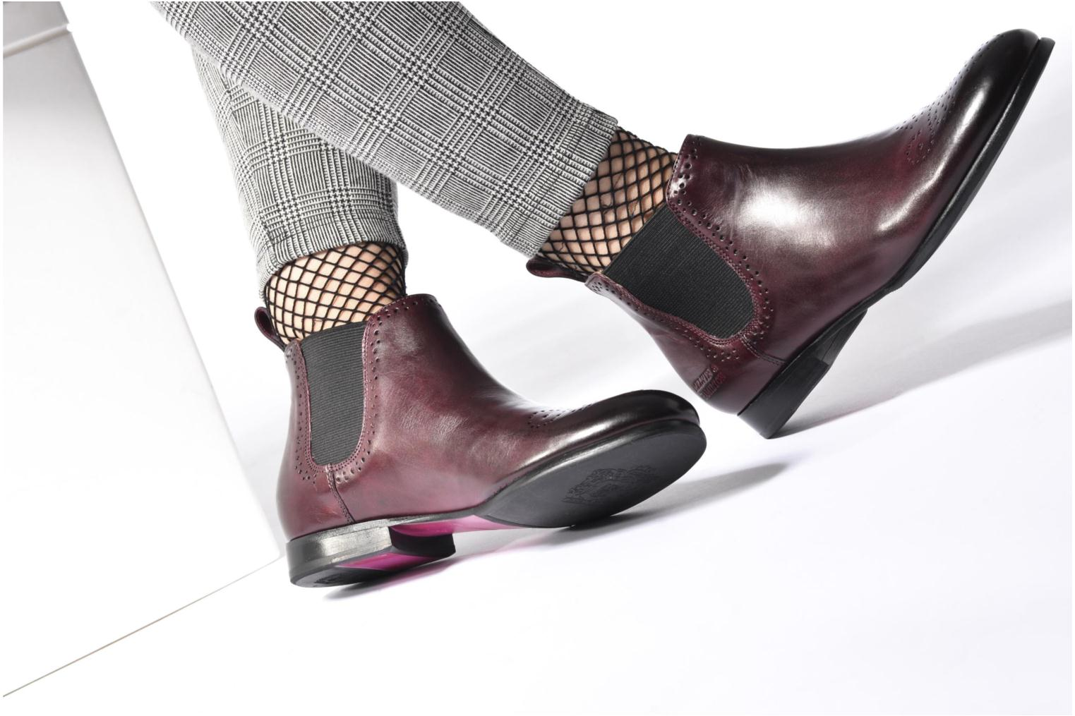 Ankle boots Melvin & Hamilton Sally 16 Black view from underneath / model view