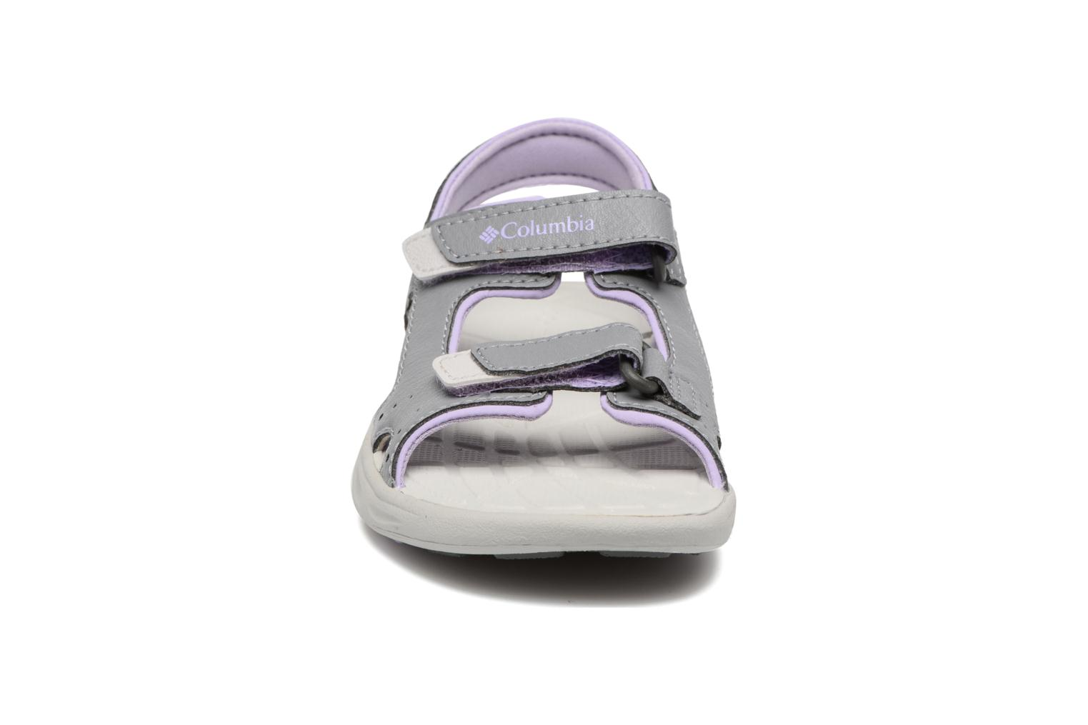 Sandalias Columbia Childrens Techs Gris vista del modelo