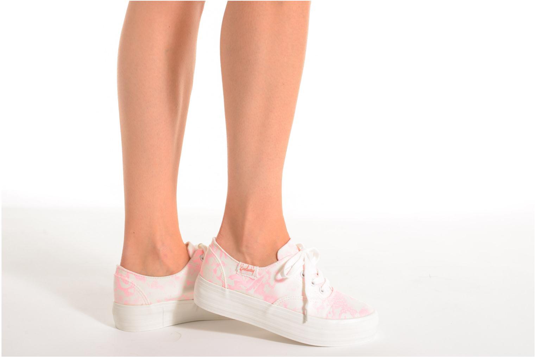 Sneaker Coolway Dodo rosa ansicht von unten / tasche getragen