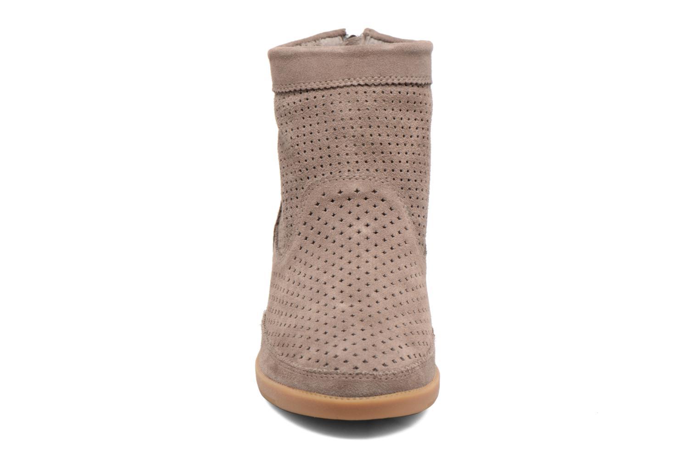Bottines et boots Shoe the bear Emmy Marron vue portées chaussures