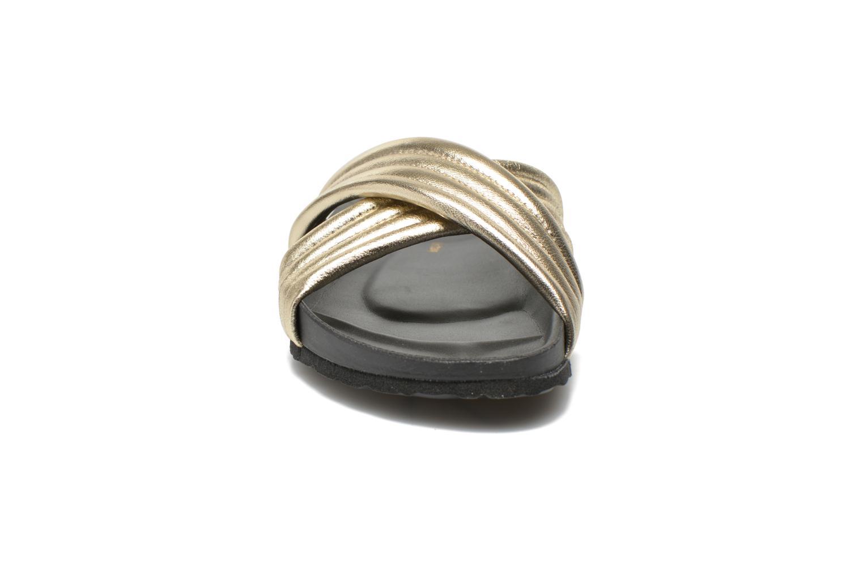 Clogs & Pantoletten Pieces Tahi leather gold/bronze schuhe getragen