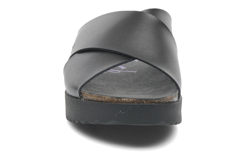 Zoccoli Blowfish Ashbury Nero modello indossato