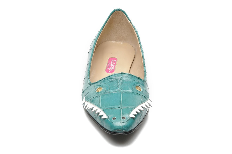 Ballerines Carel Crocodile Vert vue portées chaussures