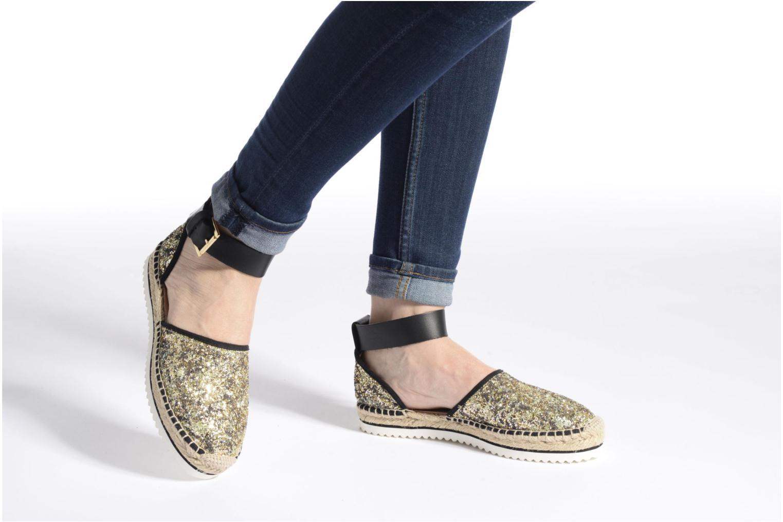 Sandalen Anaki Chica gold/bronze ansicht von unten / tasche getragen