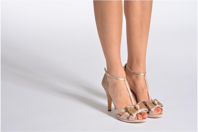 Sandals Menbur Balsamine Beige view from underneath / model view