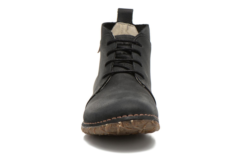 Zapatos con cordones El Naturalista Ankor N974 Negro vista del modelo