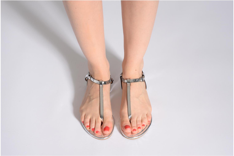 Sandalen Elle Marly silber ansicht von unten / tasche getragen