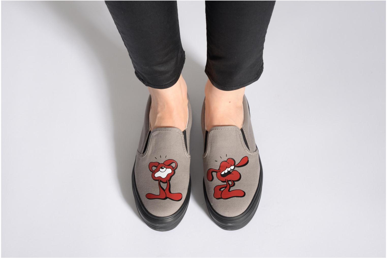 Sneaker YOSH x SWEAR YOSH X SWEAR 2 W schwarz ansicht von unten / tasche getragen