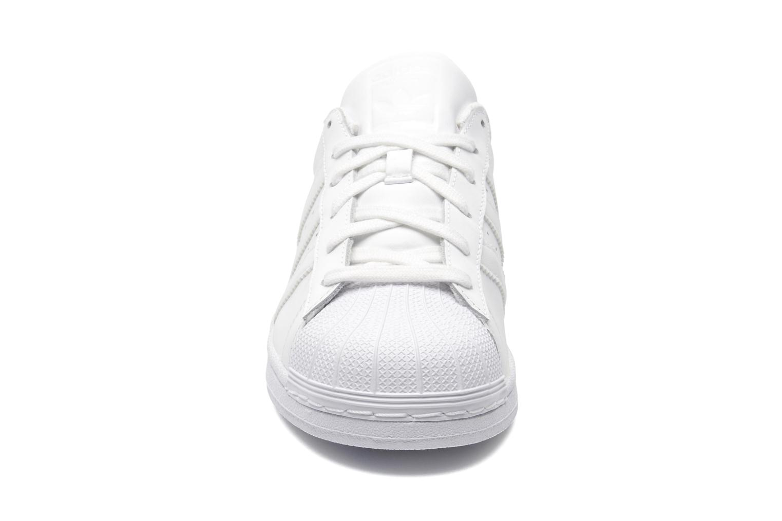 Deportivas Adidas Originals Superstar Foundation Blanco vista del modelo