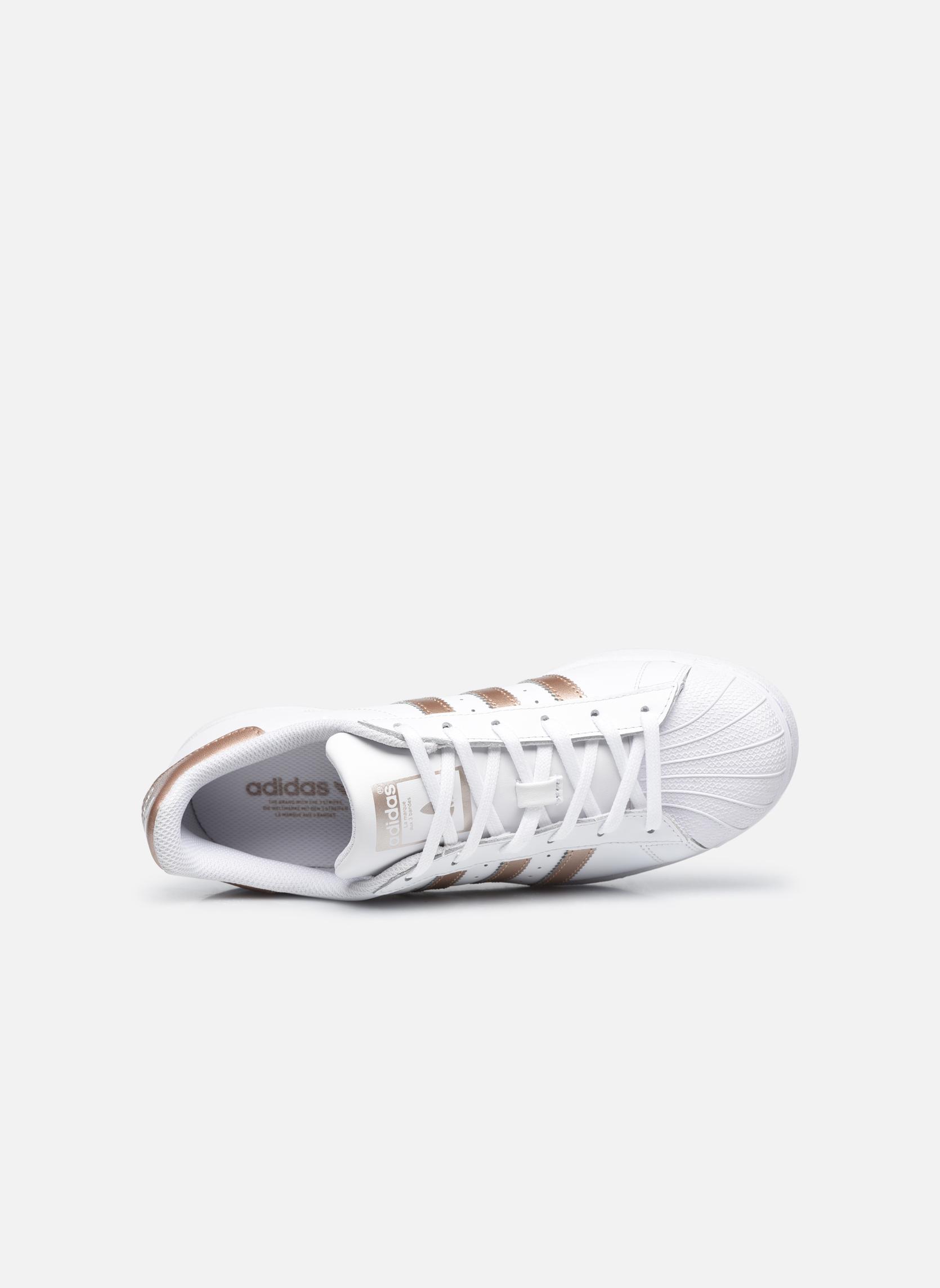 Sneakers Adidas Originals Superstar W Vit bild från vänster sidan