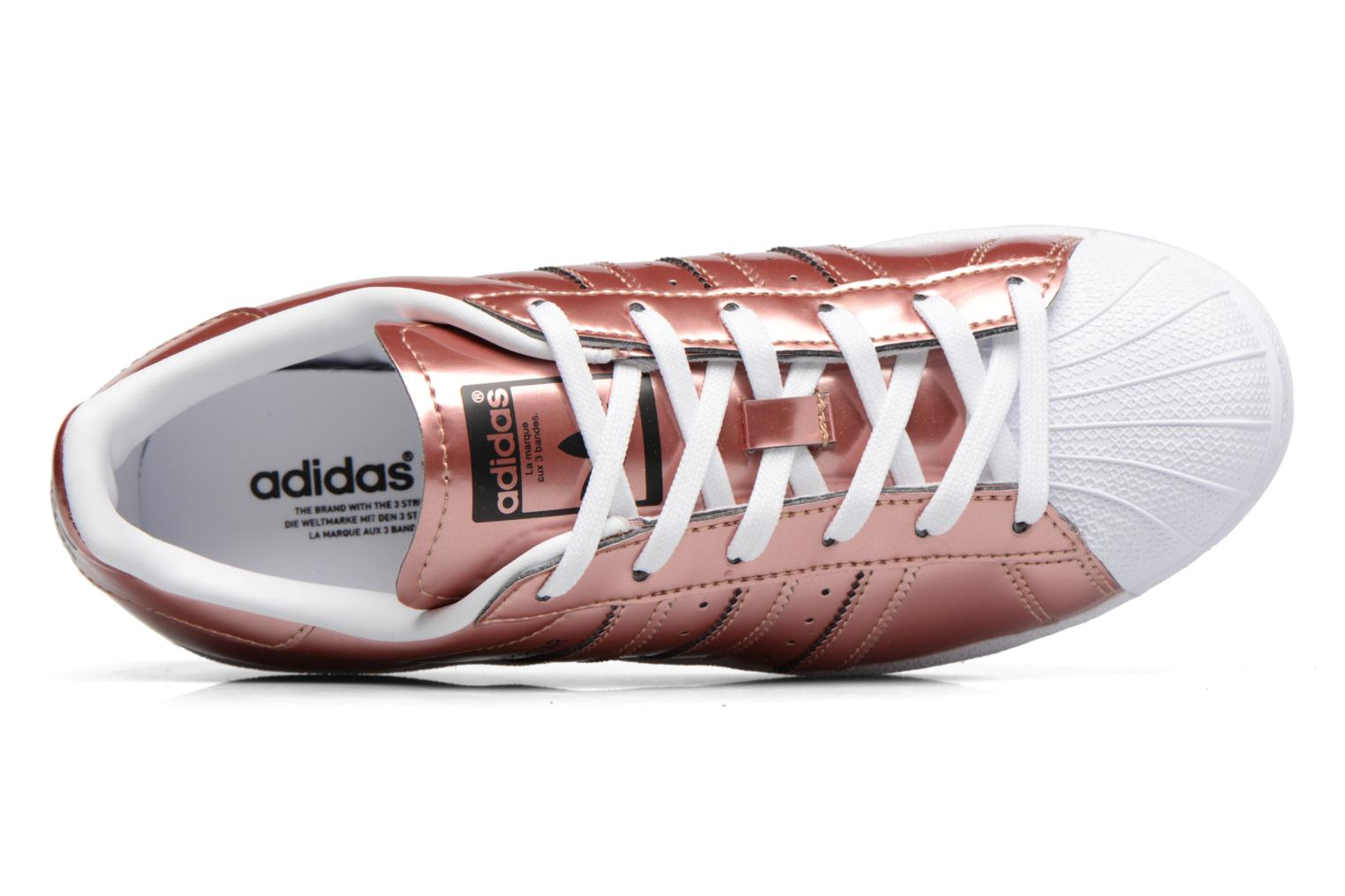 Trainers Adidas Originals Superstar W Bronze and Gold view from the left
