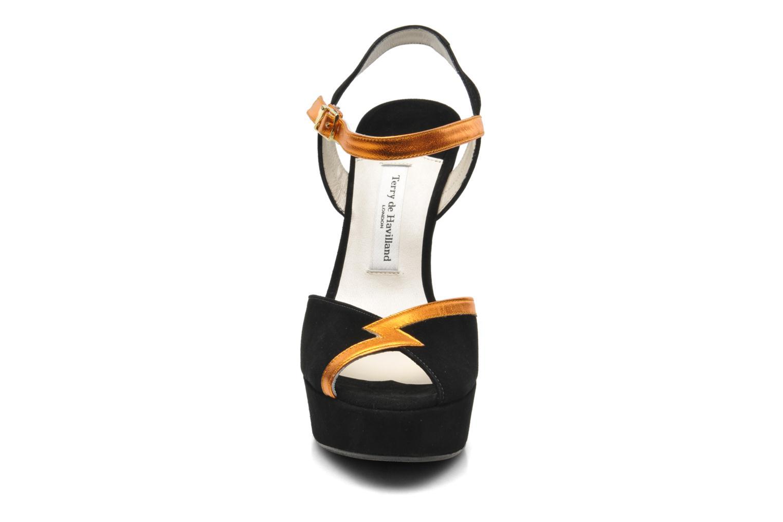 Sandali e scarpe aperte Terry de Havilland Izzy Nero modello indossato