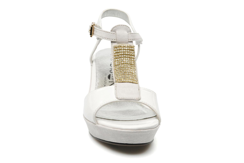 Sandales et nu-pieds Madison Escada Blanc vue portées chaussures