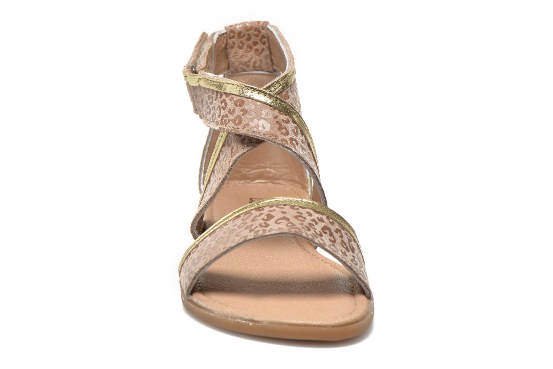 Sandali e scarpe aperte Mod8 Joyce Beige modello indossato