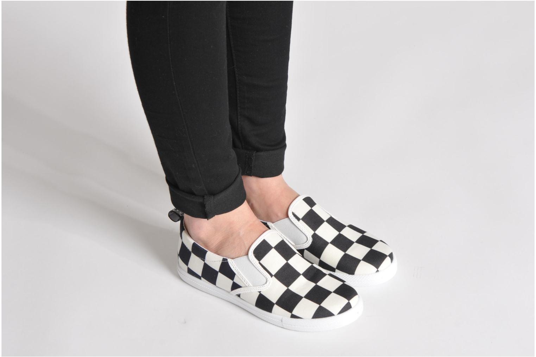 Sneaker Love Moschino Check mehrfarbig ansicht von unten / tasche getragen