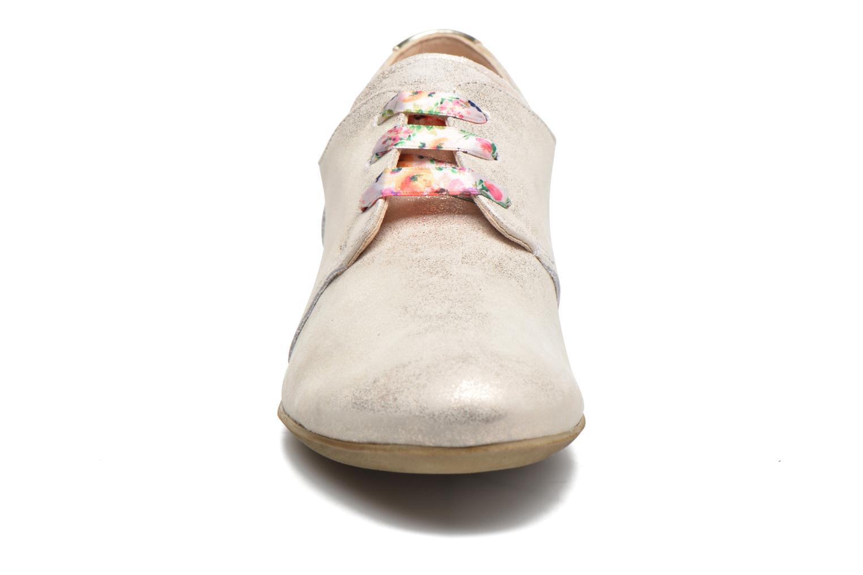 Chaussures à lacets Dorking Candy 5058 Argent vue portées chaussures