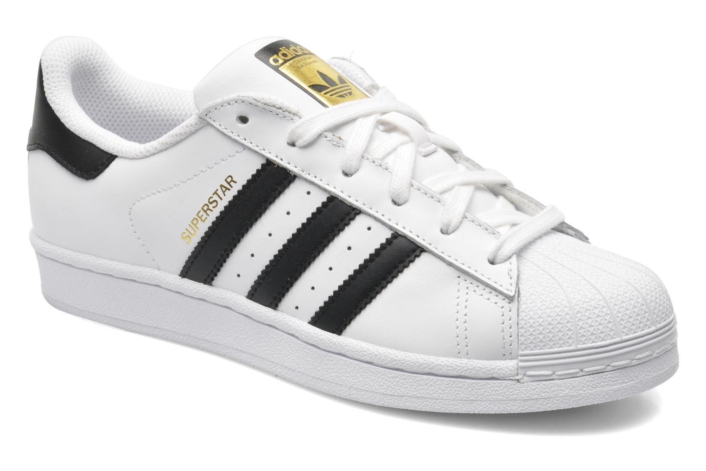 Trainers Adidas Originals SUPERSTAR J White detailed view/ Pair view