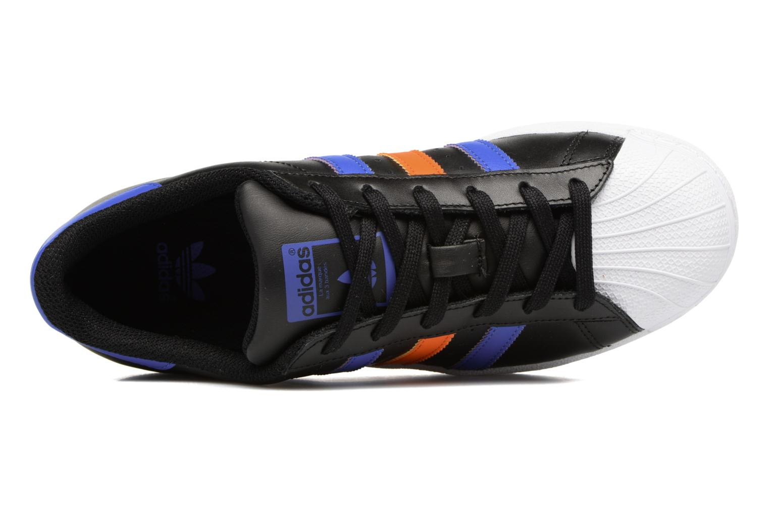 Trainers Adidas Originals SUPERSTAR J Black view from the left