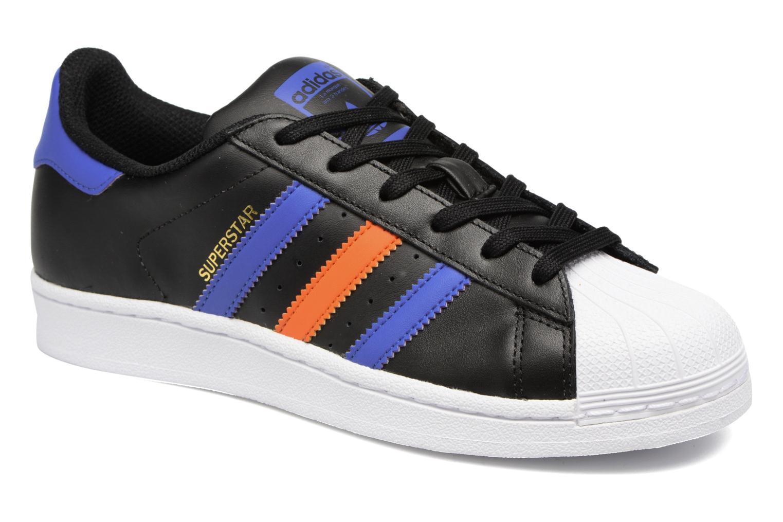 Trainers Adidas Originals SUPERSTAR J Black detailed view/ Pair view