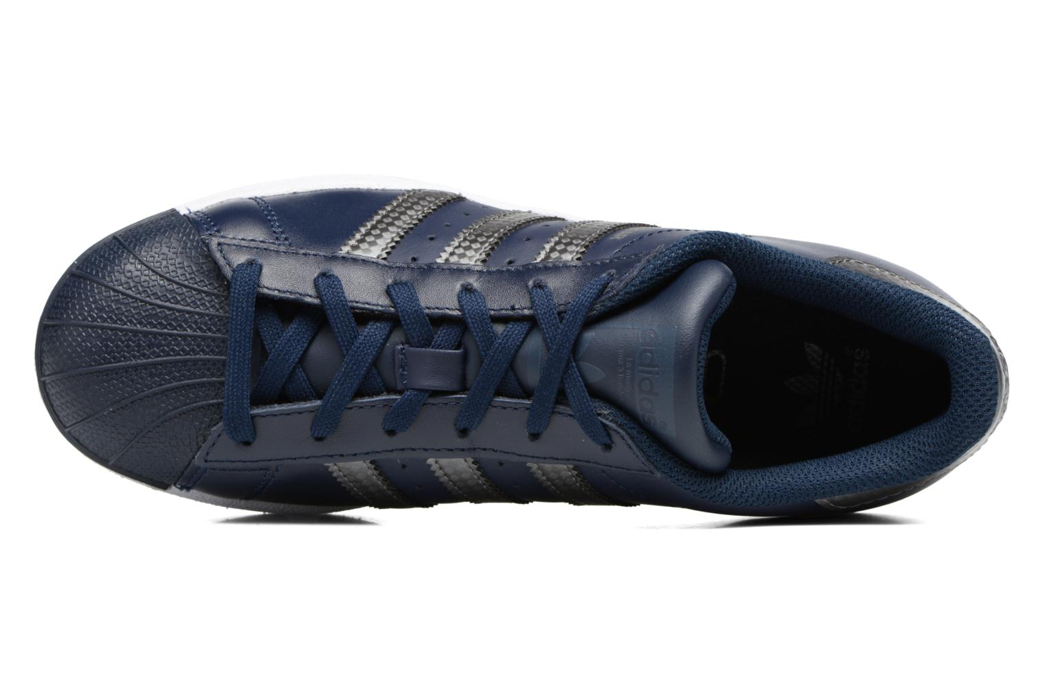 Trainers Adidas Originals SUPERSTAR J Blue view from the left