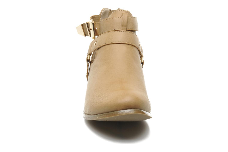 Bottines et boots Divine Factory Akruks Beige vue portées chaussures
