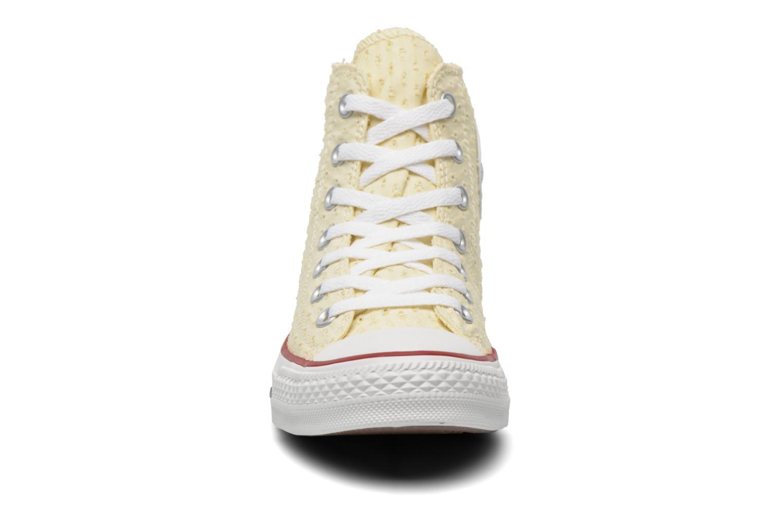 Baskets Converse Chuck Taylor All Star Perf Cvs Hi W Beige vue portées chaussures