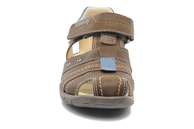 Sandali e scarpe aperte Primigi LAKERS-E Marrone modello indossato