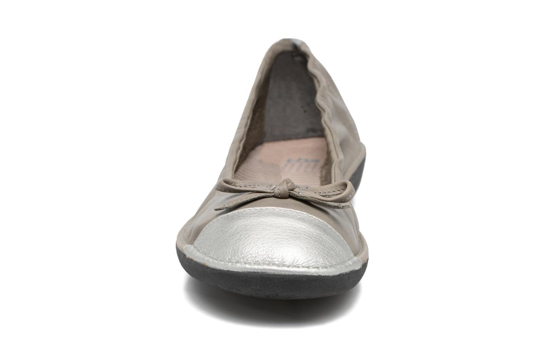 Ballerines TBS Mingos Gris vue portées chaussures