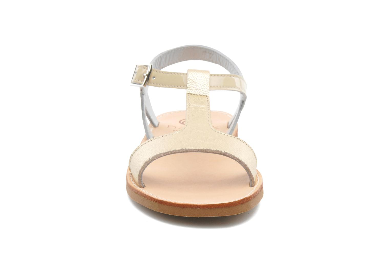 Sandales et nu-pieds Natik Olympe Beige vue portées chaussures