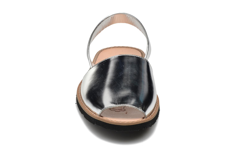 Sandales et nu-pieds MINORQUINES Avarca Argent vue portées chaussures