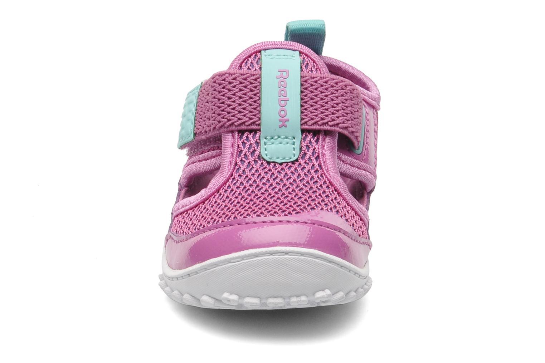 Baskets Reebok VENTUREFLEX SANDAL II Rose vue portées chaussures