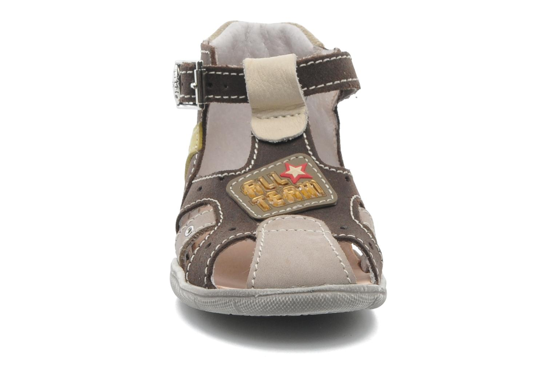 Sandales et nu-pieds Little Mary SLALOM Marron vue portées chaussures
