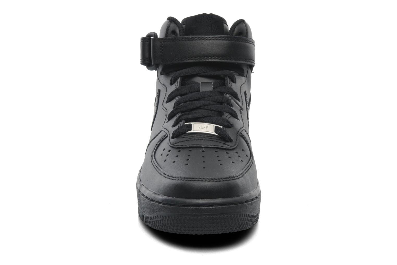 Baskets Nike Wmns Air Force 1 Mid '07 Le Noir vue portées chaussures