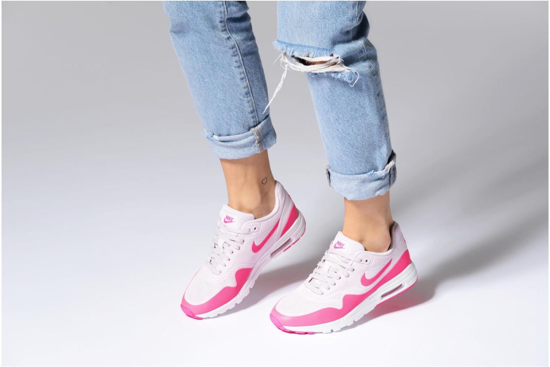 Baskets Nike Wmns Air Max 1 Ultra Moire Rose vue bas / vue portée sac