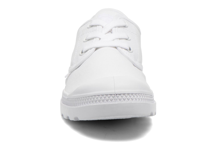 Baskets Palladium Us Oxford Lp F Blanc vue portées chaussures