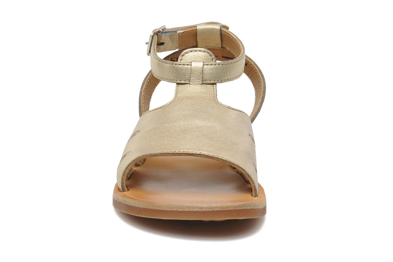 Sandales et nu-pieds Pom d Api PLAGETTE MUSE Or et bronze vue portées chaussures