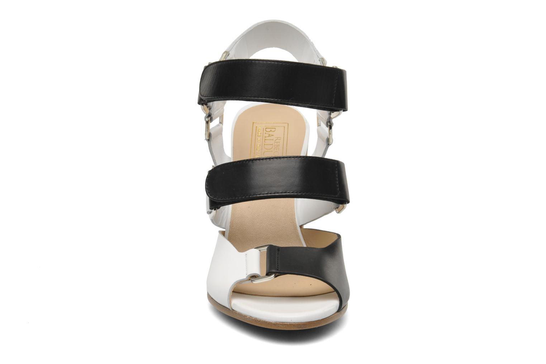 Sandales et nu-pieds Rebecca Balducci Sparta Blanc vue portées chaussures