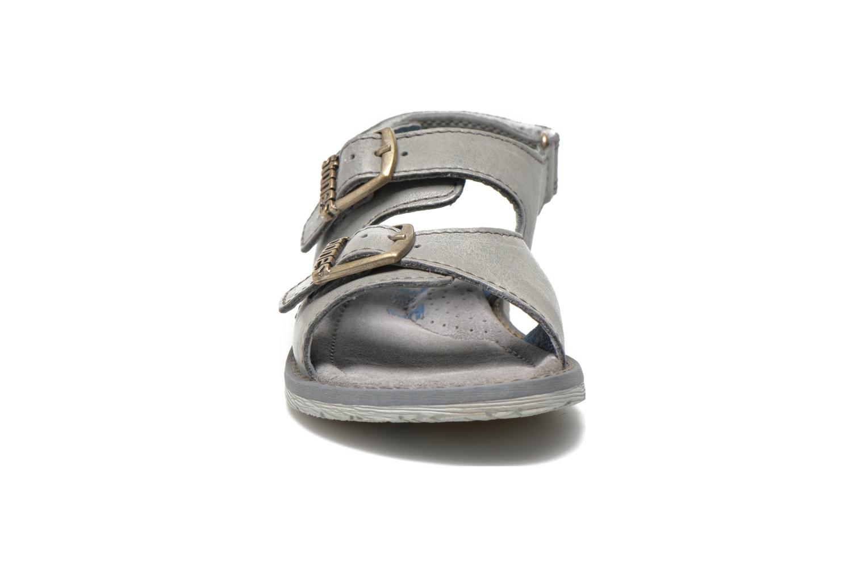 Sandales et nu-pieds Stones and Bones Dardo Gris vue portées chaussures