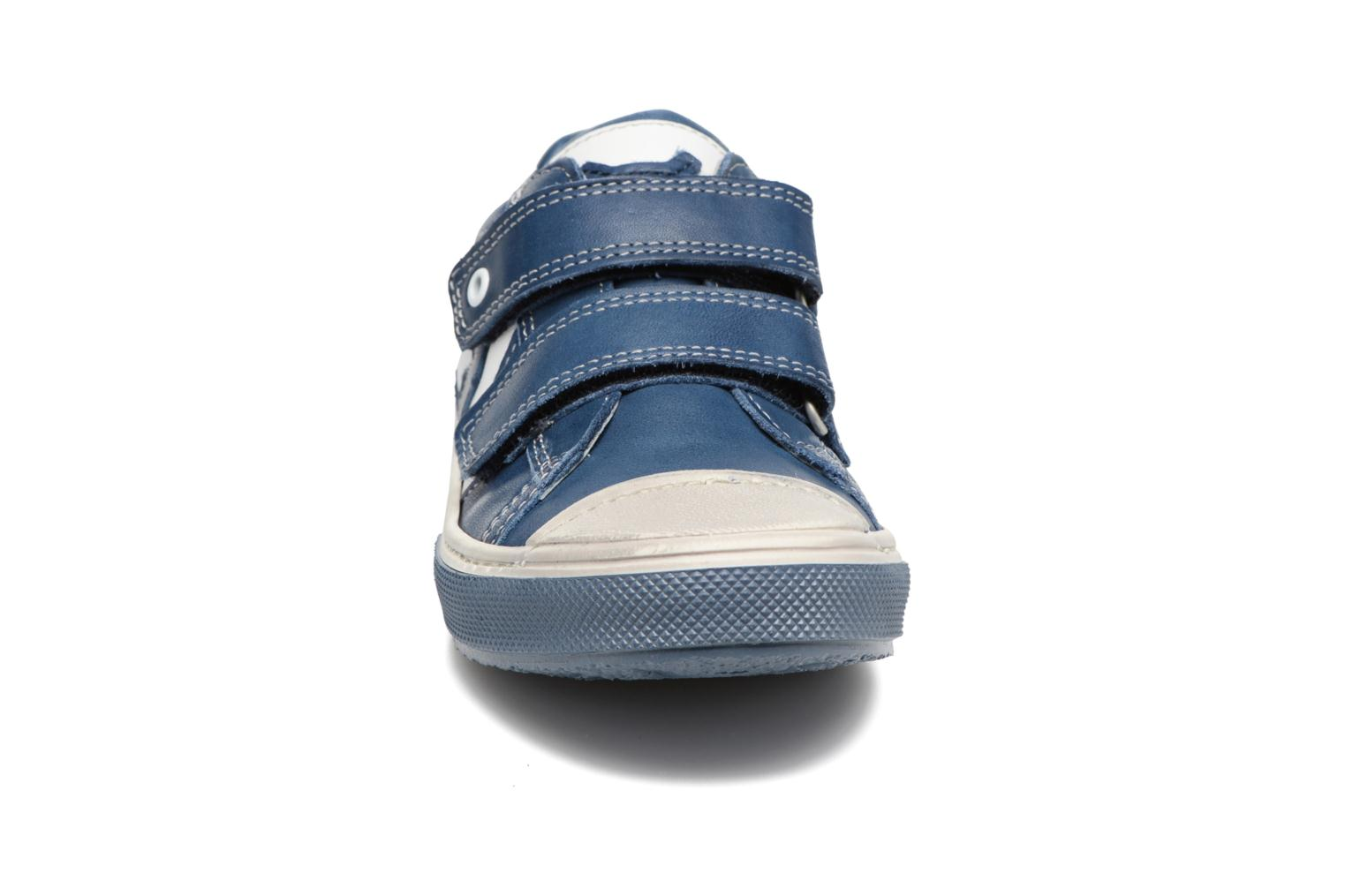 Chuck Vit blue + white