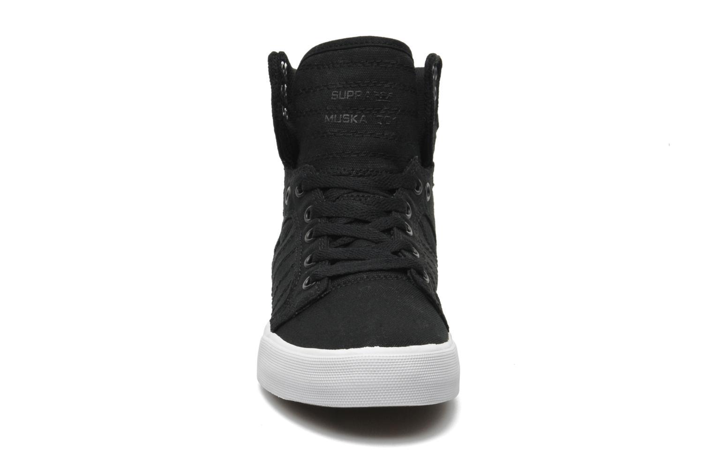 Sneaker Supra Skytop D schwarz schuhe getragen