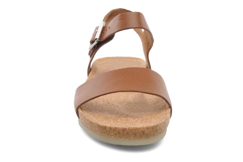 Sandales et nu-pieds Clarks Originals Dusty Soul Marron vue portées chaussures