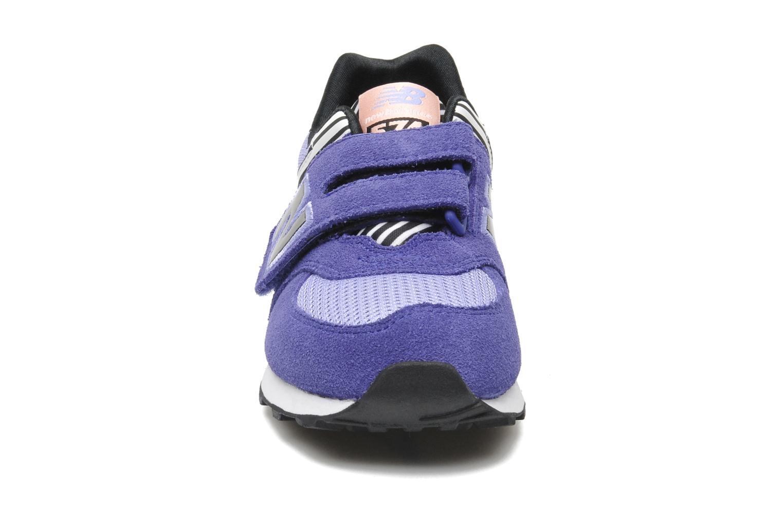 Baskets New Balance KV574LRY Violet vue portées chaussures