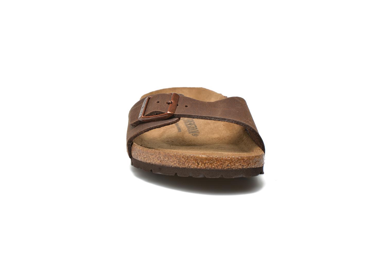 Sandales et nu-pieds Birkenstock Madrid Microfibre M Marron vue portées chaussures