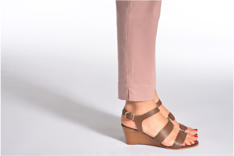 Sandales et nu-pieds Georgia Rose Lapoulette Marron vue bas / vue portée sac