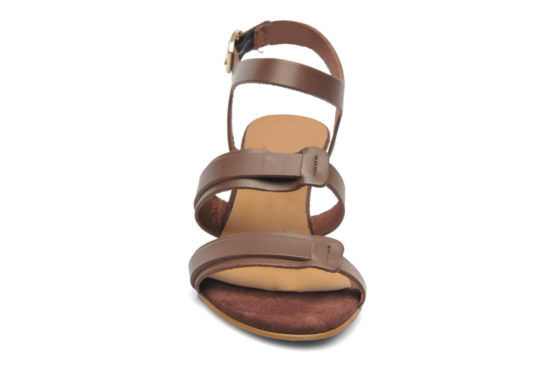 Sandales et nu-pieds Georgia Rose Lapoulette Marron vue portées chaussures