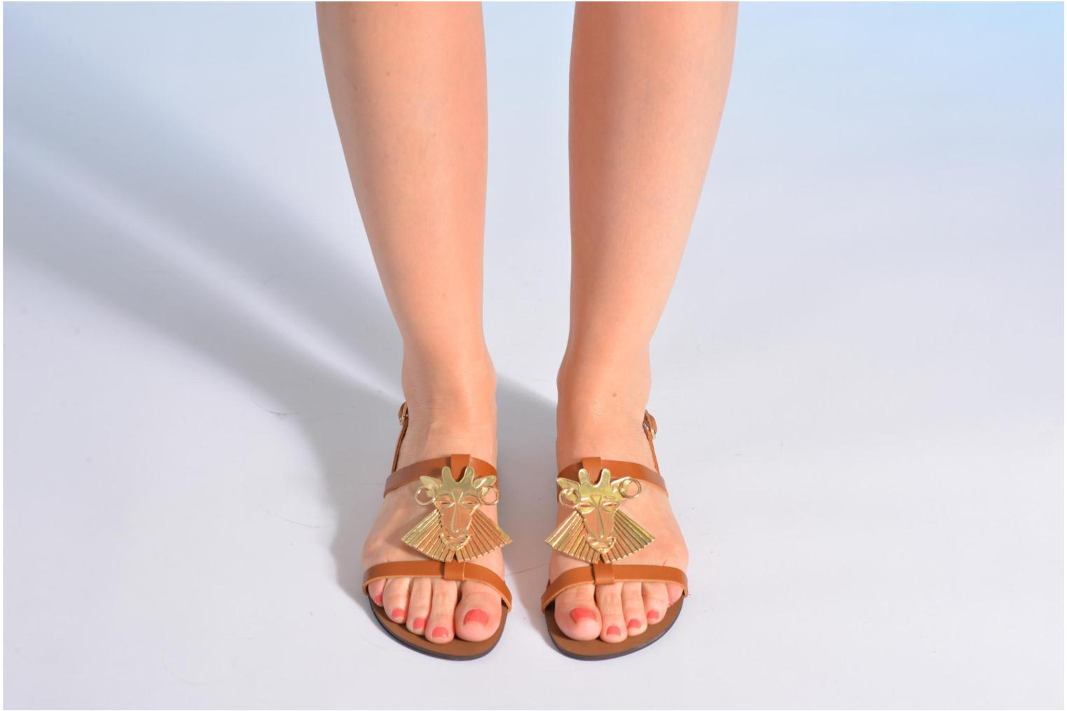 Sandals Made by SARENZA Nairobi #5 Brown view from underneath / model view