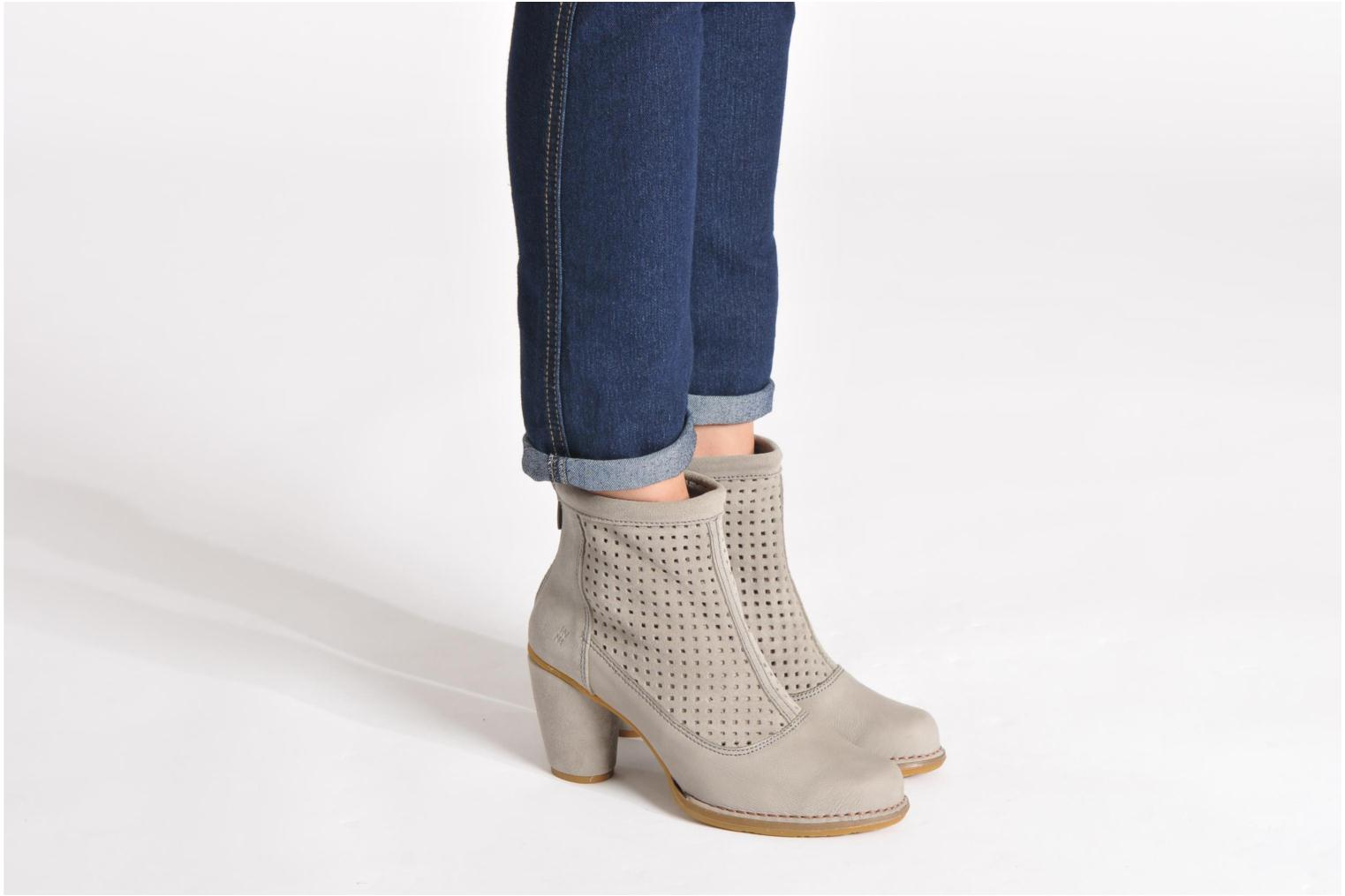 Ankle boots El Naturalista Colibri N467 Grey view from underneath / model view