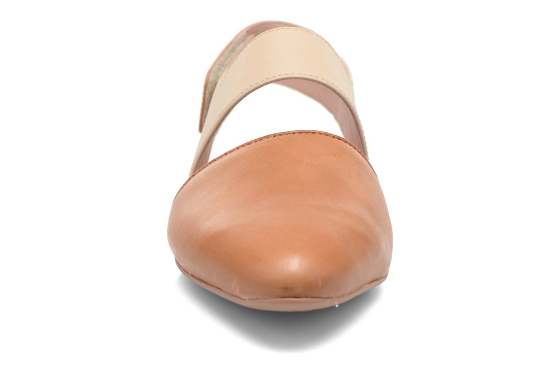 Sandales et nu-pieds Camper Isadora 22561 Beige vue portées chaussures